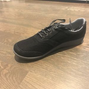 Clarks Cloud Steppers Lace-up Sneakers - NWT!